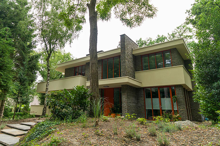 1 . Villa in Frank Lloyd Wright stijl